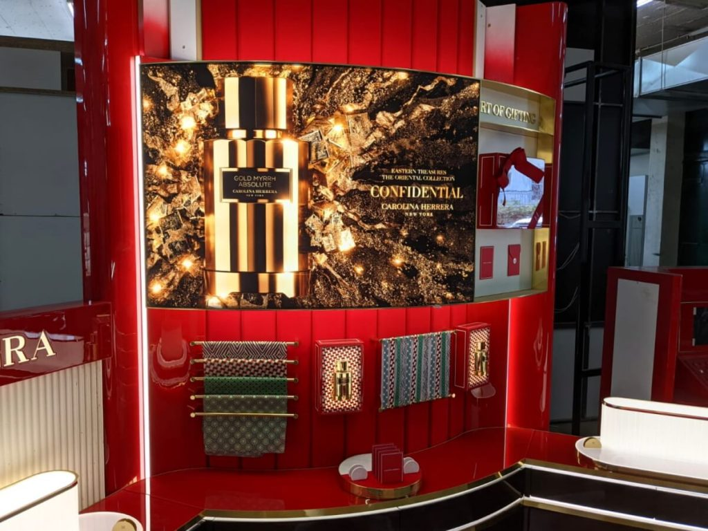 Carolina Herrera Lightbox